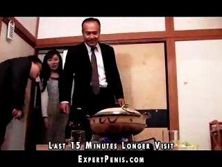 Тесть трахает японская жена