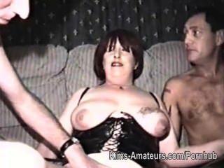 домашний фильм с зрелой женщиной и тремя мужчинами