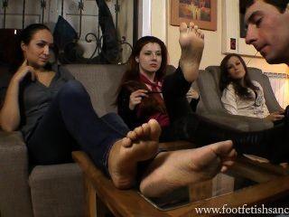 богиня виктория и ее друг у их ноги лизали раба