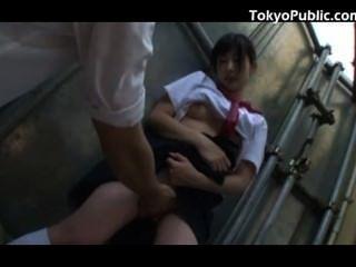 18 лет япония школьницы общественного пикап