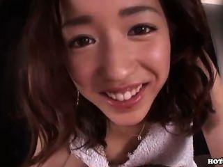 Японские девушки напали на скользкий пожилые женщины на University.avi