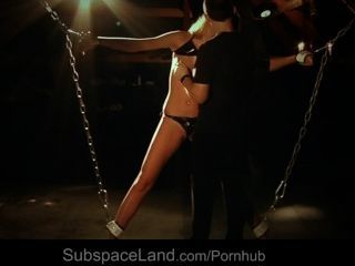 блондинка раб закованного в мансарды для кабалы фантазии
