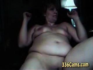 48 лет Далила мастурбирует свою киску на веб-камеру
